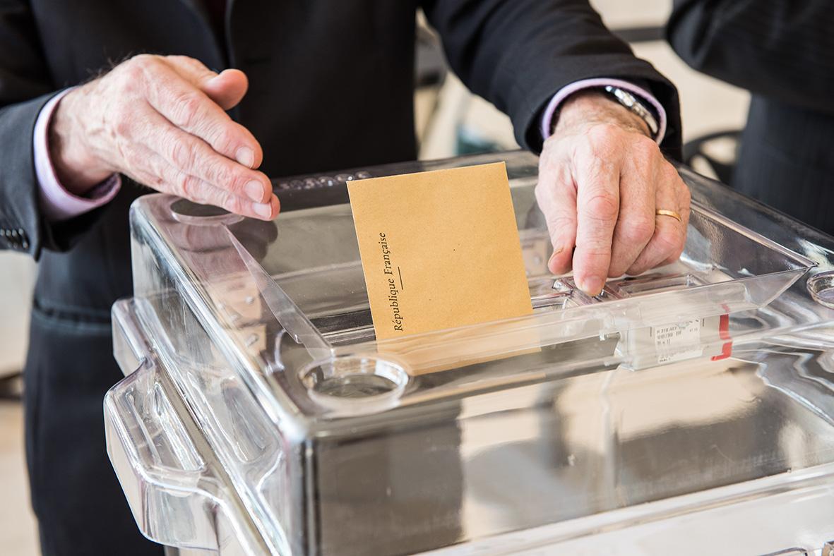 nomination des membres des commissions de contrôle chargées de la régularité des listes électorales
